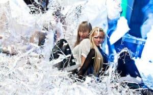 Бумажное шоу «Макарон-шоу» в Калининграде